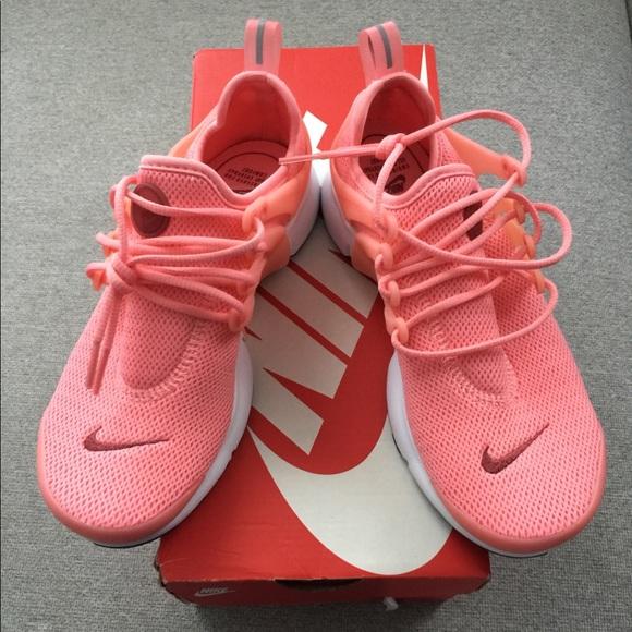 low priced 8878d d12d7 Women's Nike Air Presto sneakers.